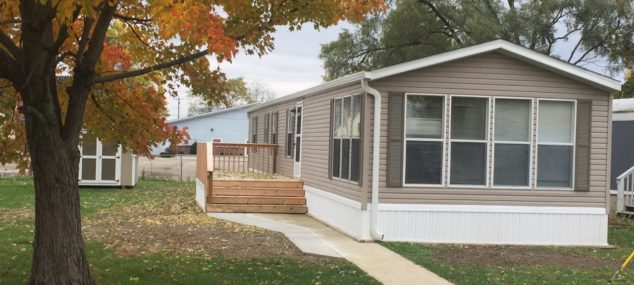 Lot #1 Mobile Home Villa       2000 Fleetwood 16×70 Large 2 bedroom, 1 large bathroom, front kitchen and dining area, new paint, new carpet, new roof, new deck, new skirting, new mini-barn, new electric furnace and central air, brand new black appliances included, total electric $24,900 with $3,000 down $325/month @ 12% for approx. 113 months   NO PETS