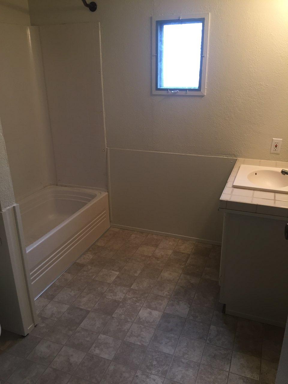 Lot 11 Mobile Home Villa 1994 Fairmont 14 215 64 2 Bedroom 1