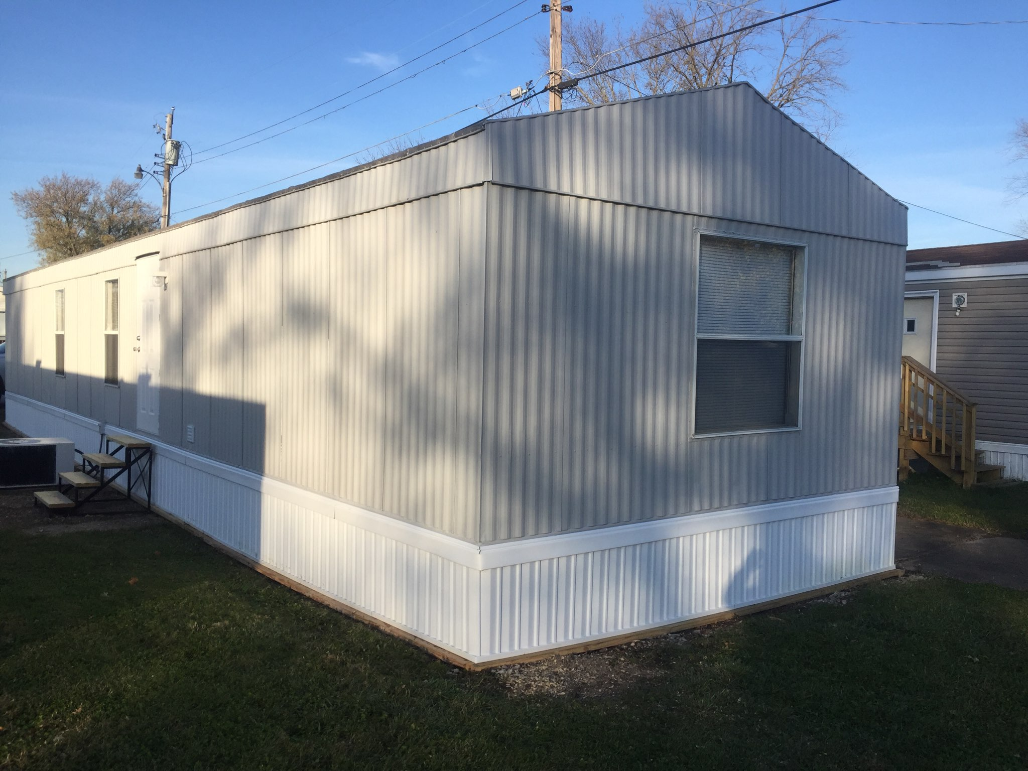 lot 11 mobile home villa 1994 fairmont 14 64 2 bedroom 1 bath new paint inside and out new. Black Bedroom Furniture Sets. Home Design Ideas