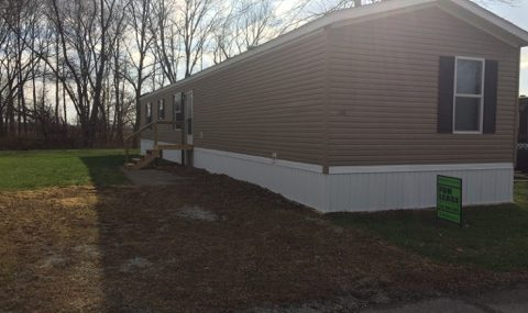1545 Hillview-Countryside Estates   2015 Harmony 16×80 4 bedroom, 2 bath, vinyl siding/shingle roof, excellent condition as good as brand new, black appliances included, total electric $37,900 with $4,000 down $400/month @ 12% for approx. 189 months